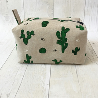 Large box makeup bag,made with cactus linen fabric.