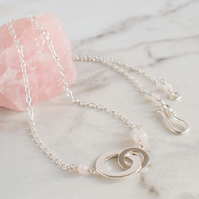 Chunky Interlocking Circles and Rose Quartz Necklace