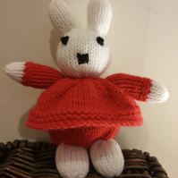 Handknitted toy