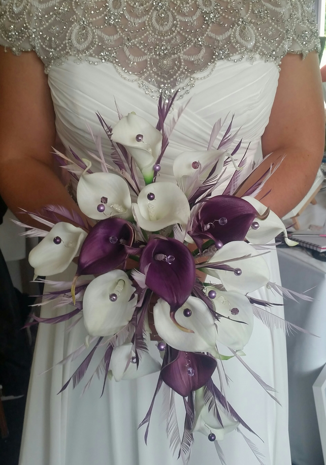 Lily wedding feather bouquet purple & Ivory