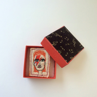 David Bowie Ziggy Stardust sewn brooch