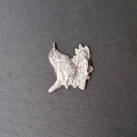 Wren pin badge,  pp35  26mm wide