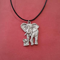 Elephant pewter pendant,  bc48 - 40 mm tall