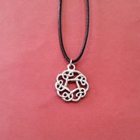 Celtic knot pewter pendant,  bc39 - 20 mm long
