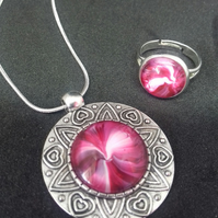A Lovely and Unique Red and White Swirl Pendant Necklace and Ring Set