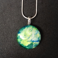 Lovely Green Yellow Unique Round Pendant Necklace