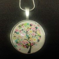 Womens Decorative Tree Pendant Necklace, Gift