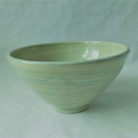 AGATE WARE BOWL, WHITE, GREEN AND BLUE EARTHENWARE DIAMETER 20 CMS