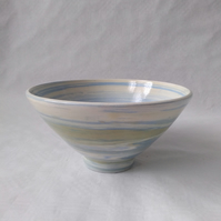 AGATE WARE BOWL, WHITE, GREEN AND BLUE EARTHENWARE DIAMETER 17 CMS