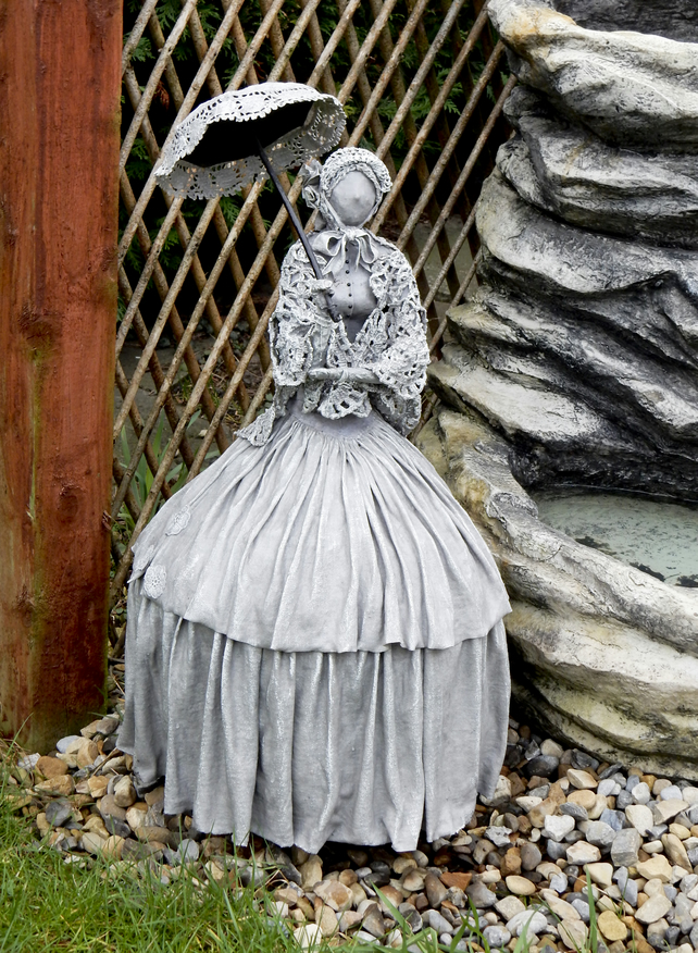 Elegant Crinoline Lady Fabric Sculpture, Outdoor Garden Sculpture R43