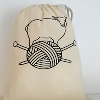 Knitting sack for knitting on the move with black print