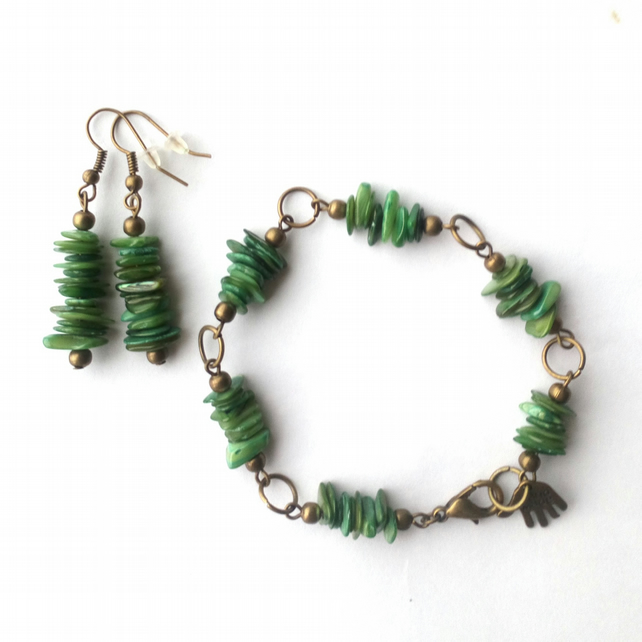 Bracelet and Earrings with Shell