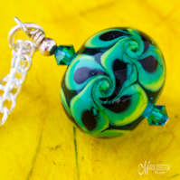 Green Dotty Swirl Pendant