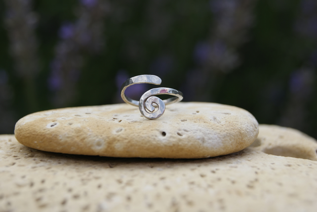 UNIQUE QUALITY HANDCRAFTED SINGLE SPIRAL RING