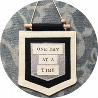 'ONE DAY AT A TIME' Hanging decoration - Wall decoration - Positive vibes gif