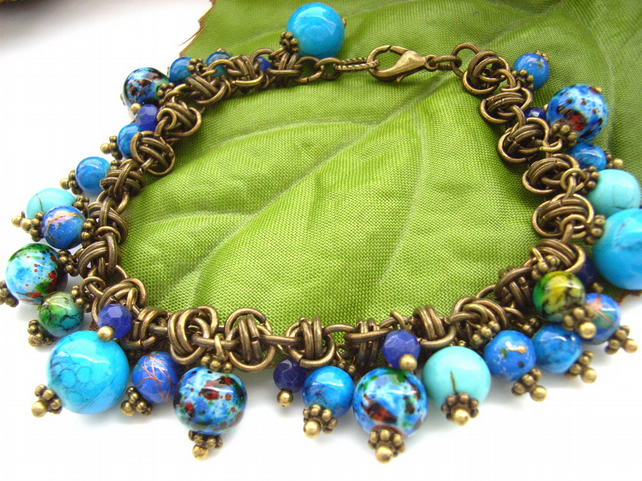 Blue bead barrel link chain maille bracelet