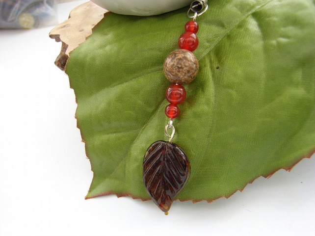 Phone charm brown leaf