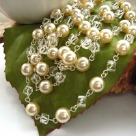 Necklace faux pearls rock crystal long