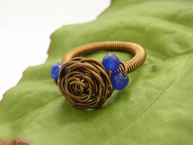 Wire rose ring with blue beads