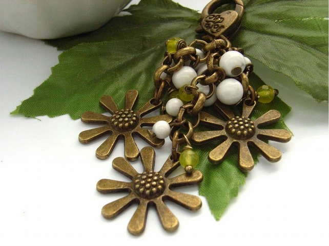 Daisy bag charm antique bronze