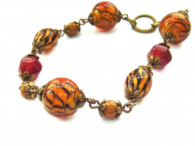 Vintage style Animal print glass bead and mookite bracelet
