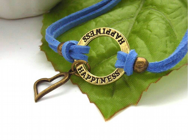 Happiness bronze tone heart charm bracelet blue