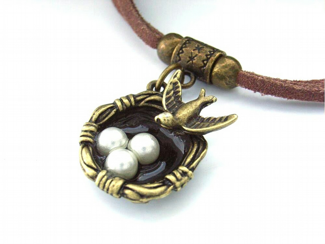 Bird's nest charm bracelet brown faux suede cord