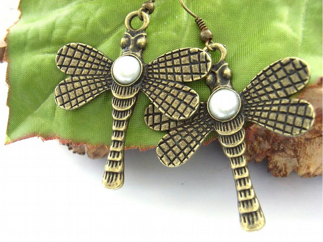 Earrings dragonfly faux pearl steam punk vintage style
