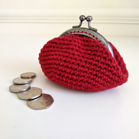 Vintage Style Coin Purse with Kiss Lock Clasp in Dark Red
