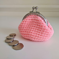 Vintage Style Coin Purse with Kiss Lock Clasp in Coral Pink