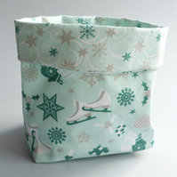 REDUCED - Ice Skate Fabric Pot (mint)