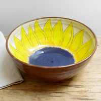 Medium Bowl - Sunflower (Brown)