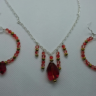 Red & Gold Glass Pendant Necklace & Hoop Earrings Jewellery Set