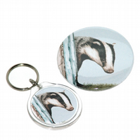 Round keyring and pocket mirror gift set - Badger