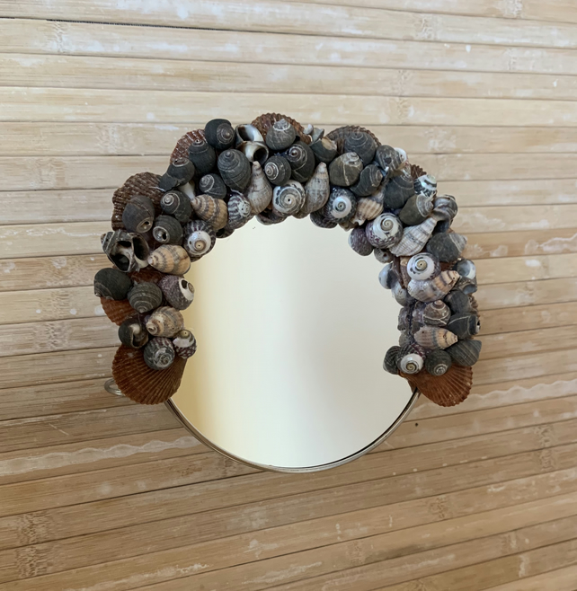 Sea Shell round mirror