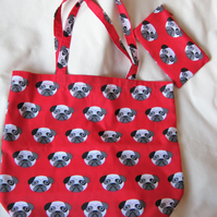 Folding shopping tote bag with matching zipped carrying pouch - red pug dogs