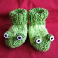 Frog booties to fit 3 to 6 months or 6 to 12 months approx.