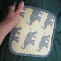 Kitchen pot holder in elephant print cotton fabric