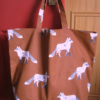 Shopping tote bag in 100% cotton - rust brown foxes print -  bag for life