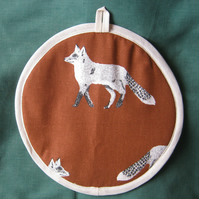 Kitchen pot holder in rust brown foxes cotton fabric