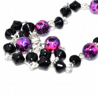 Retro style pink and black glass beaded chain necklace