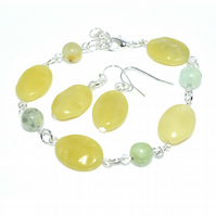 Prehnite and Jade bracelet and earrings set