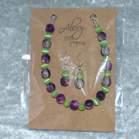 Glass beaded bracelet and earrings set - purple and mint green