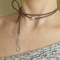 Wrap choker necklace in leather suede