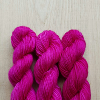 'Magenta' Hand dyed BFL and Nylon Mini skein