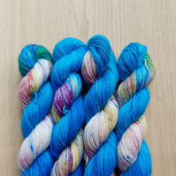 'Blue Speckles' Hand dyed BFL and Nylon Mini skein