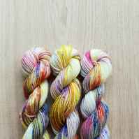 'Midsummer Nights Dream' Hand dyed  Bluefaced Leicester & Nylon Mini Skein