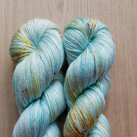 'Winter Solstice' Hand dyed British Bluefaced Leicester & Silk 4PLy