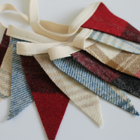 Bunting UK, Short Bunting, Tweed Bunting, Little Bunting, Red, Blue & Cream Flag