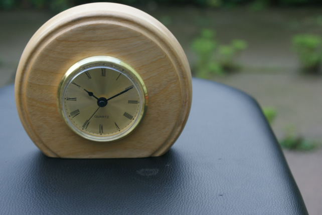 Small desk clock made from Beech FREE POSTAGE